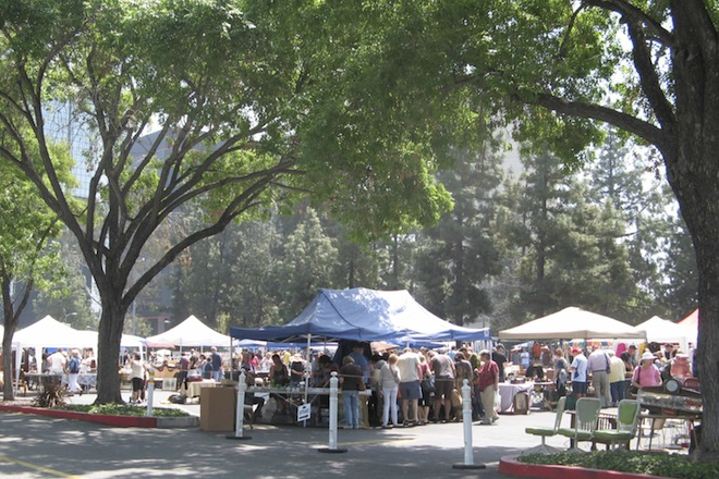 Topanga Vintage Market on Collectors Bluebook